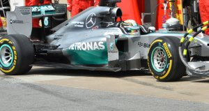 Hamilton pulls into the pits to retire
